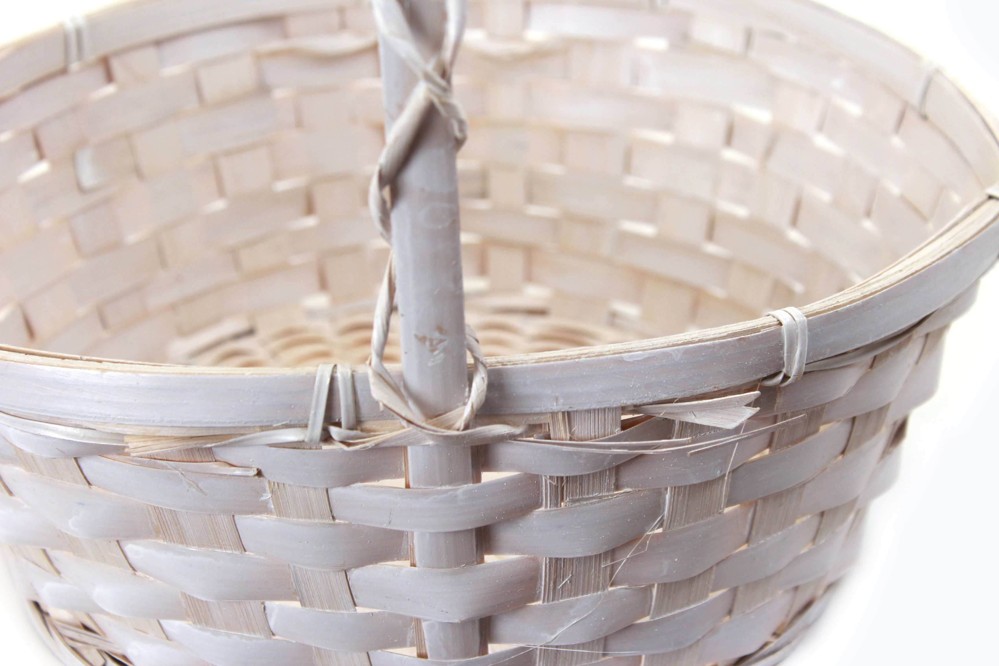 Antique White Round Baskets with Handle close