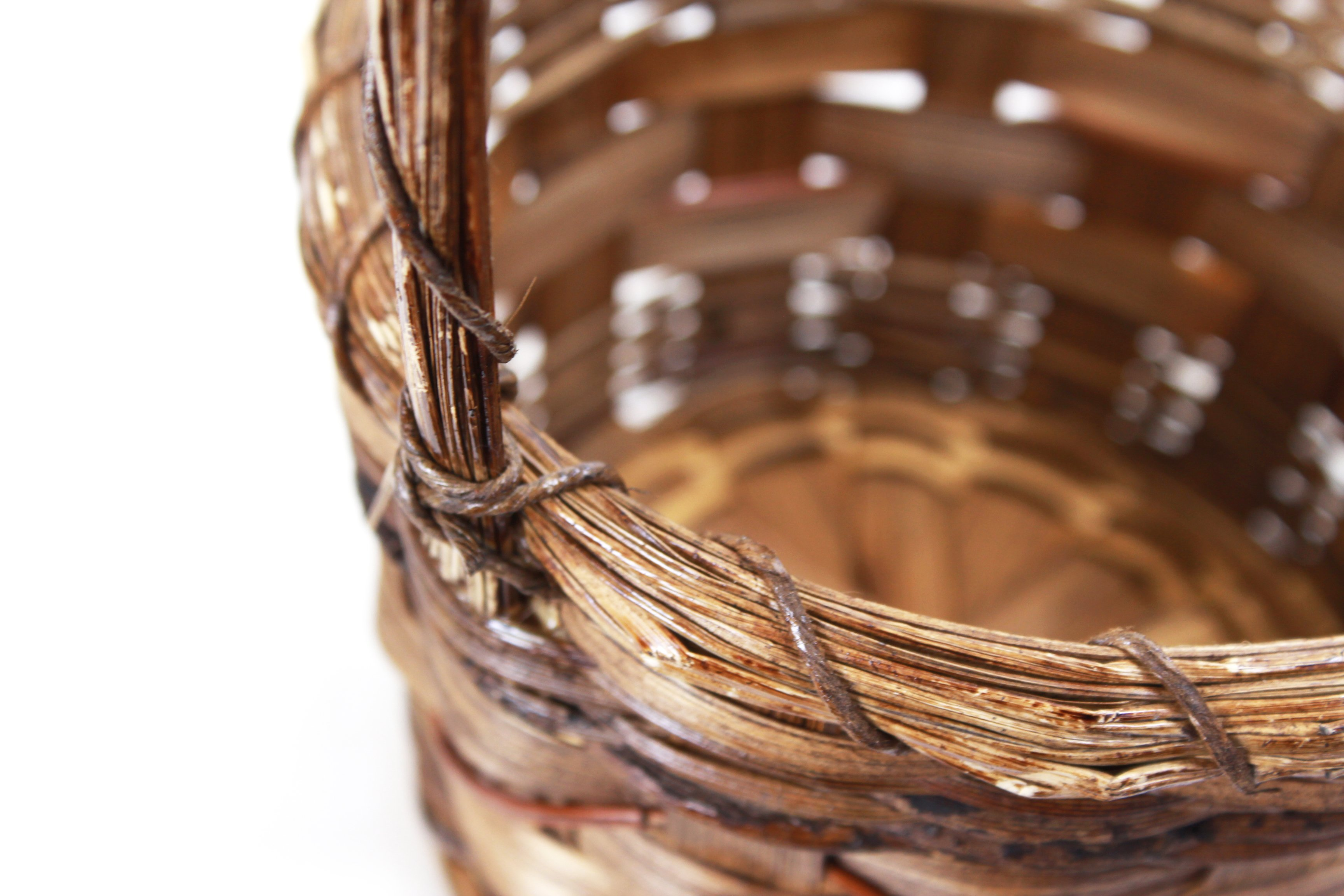 Tone Round Baskets with Handle close-up