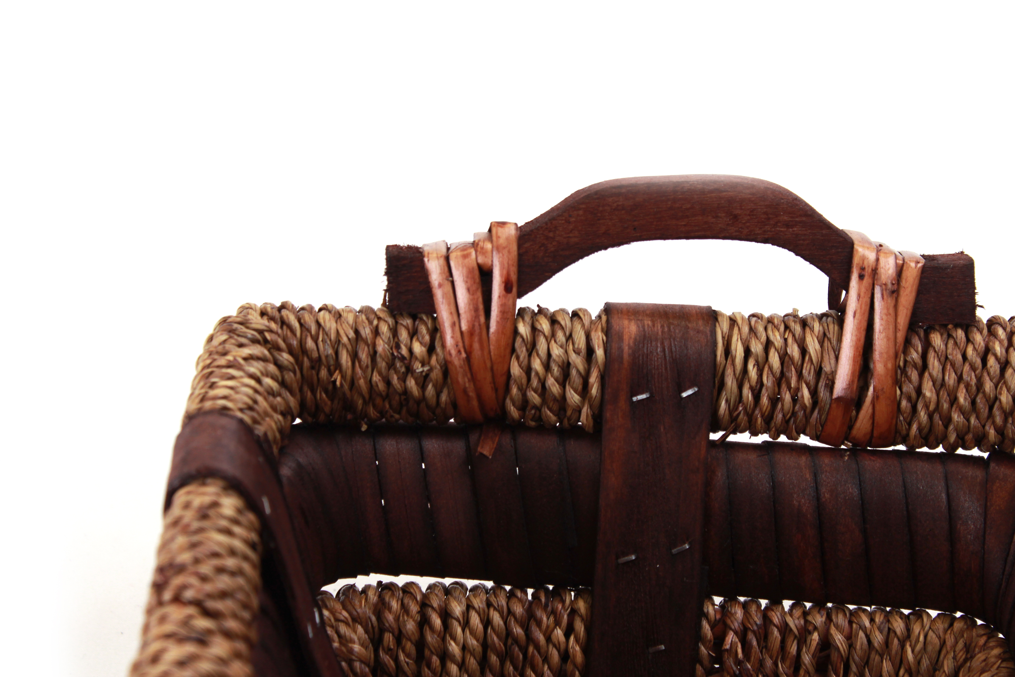 Rectangular Baskets With Handle close
